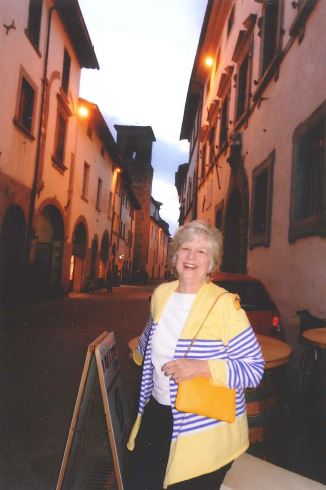 Emmalee Harris Hughes, '64, in front of the Palazzo in Sansepolcro.